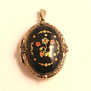 Vintage 22 Karat Gold on London Sterling Silver Enamel Locket dated 1971