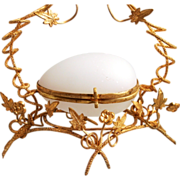 A Stunning 1860 Antique French Palais Royal Paris White Opaline Glass  Jewellery Box Display Egg