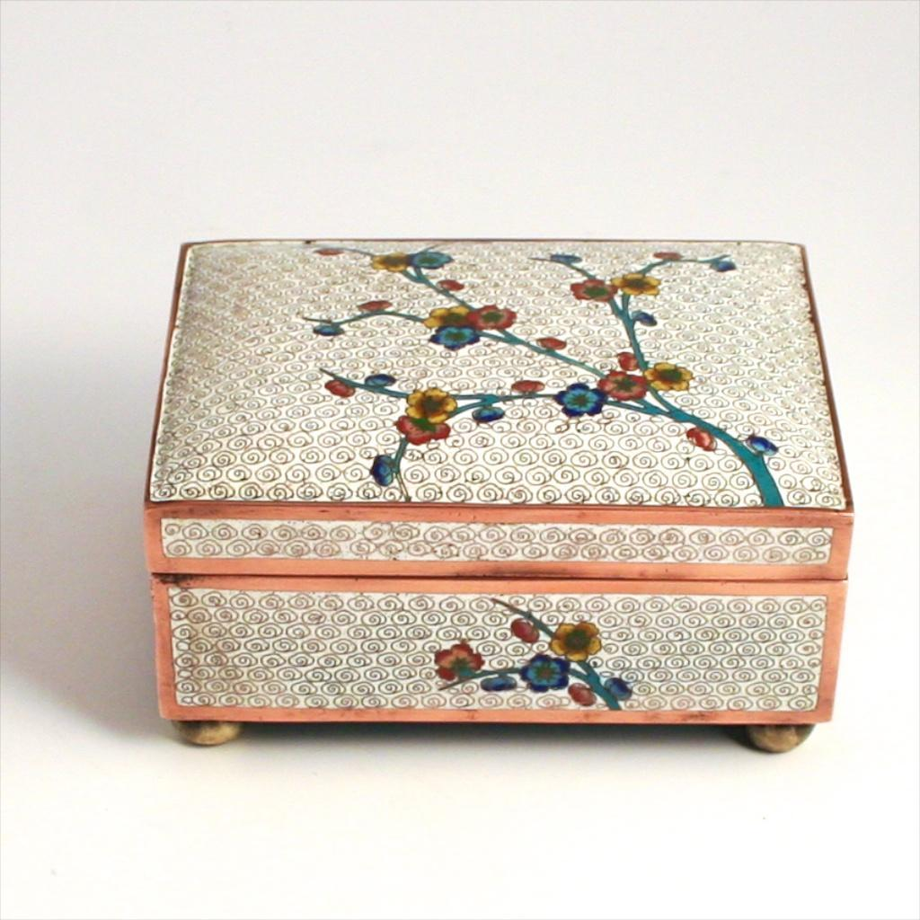 1900 Japanese Enamel Apple Tree Blossom Jewellery Box