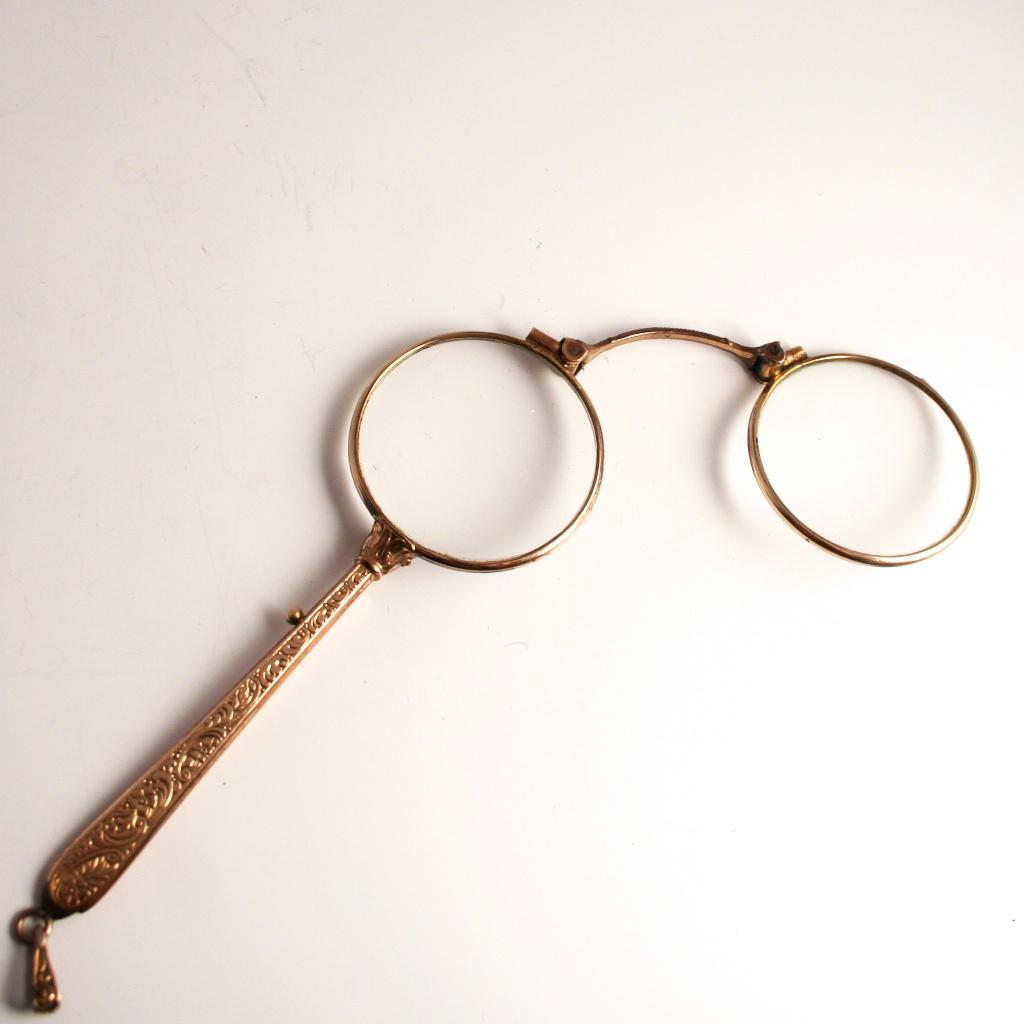 1870 gold plated french lorgnette with acanthus for Acanthus decoration