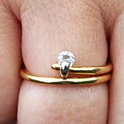 A Platinum Mounted Diamond on an 18 Karat Gold Split Ring US Size 7 1/2 UK Size P Clarity VVSI Stock Code S817