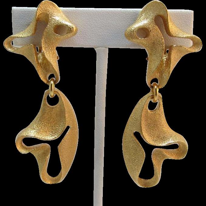 Phenomenol Escada Made in France Bright Gold-tone Modernist Dangling Earrings