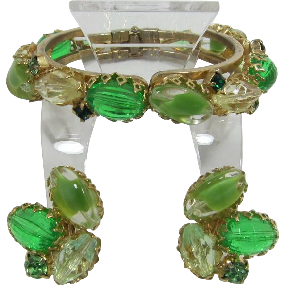 Spring-time Green Faceted Lucite Beaded Bracelet and Earrings