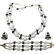 Fun Deauville Black and White Necklace, Bracelet and Earring Set