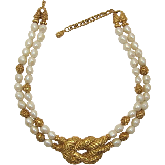 Fabulous Franklin Mint Imitation Pearl and Lovers Knot Necklace
