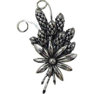 Chic Botticelli Silver-Plated Flowers and Pine Cones Brooch