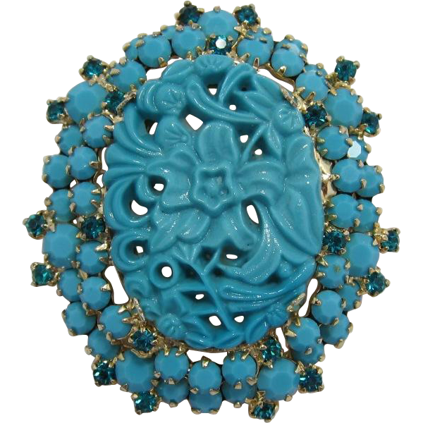 """D&E / Juliana Turquoise """"Carved"""" Glass Stone Brooch"""