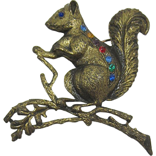 Fun Antique Gold-tone Squirrel on a Branch Figural Pin