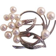 Pretty Sterling Silver and Cultured Pearl Brooch