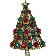 Fabulous Hollycraft Red and Green Rhinestone Christmas Tree Pin - Book Piece