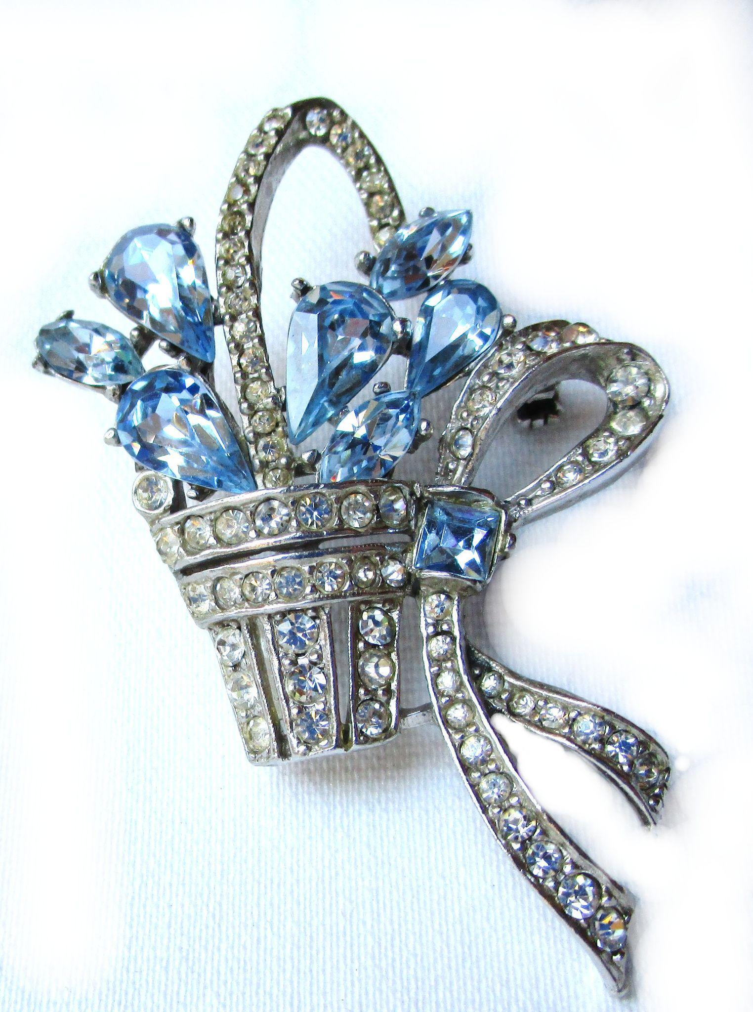 Vintage Blue Rhinestone Flowers in Basket/Pin/Brooch