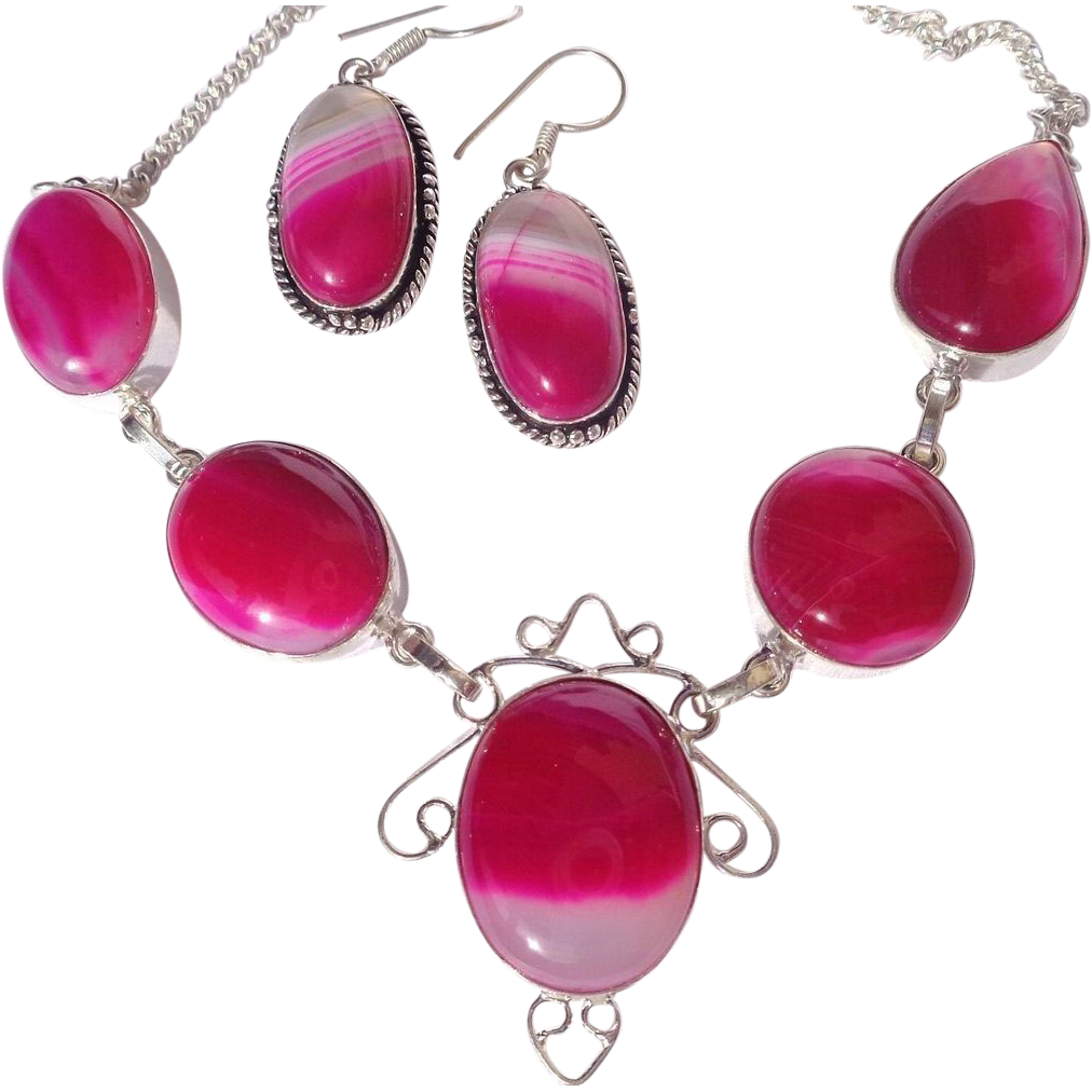 CLEARANCE-Fuchsia Agate Necklace/Earring Set