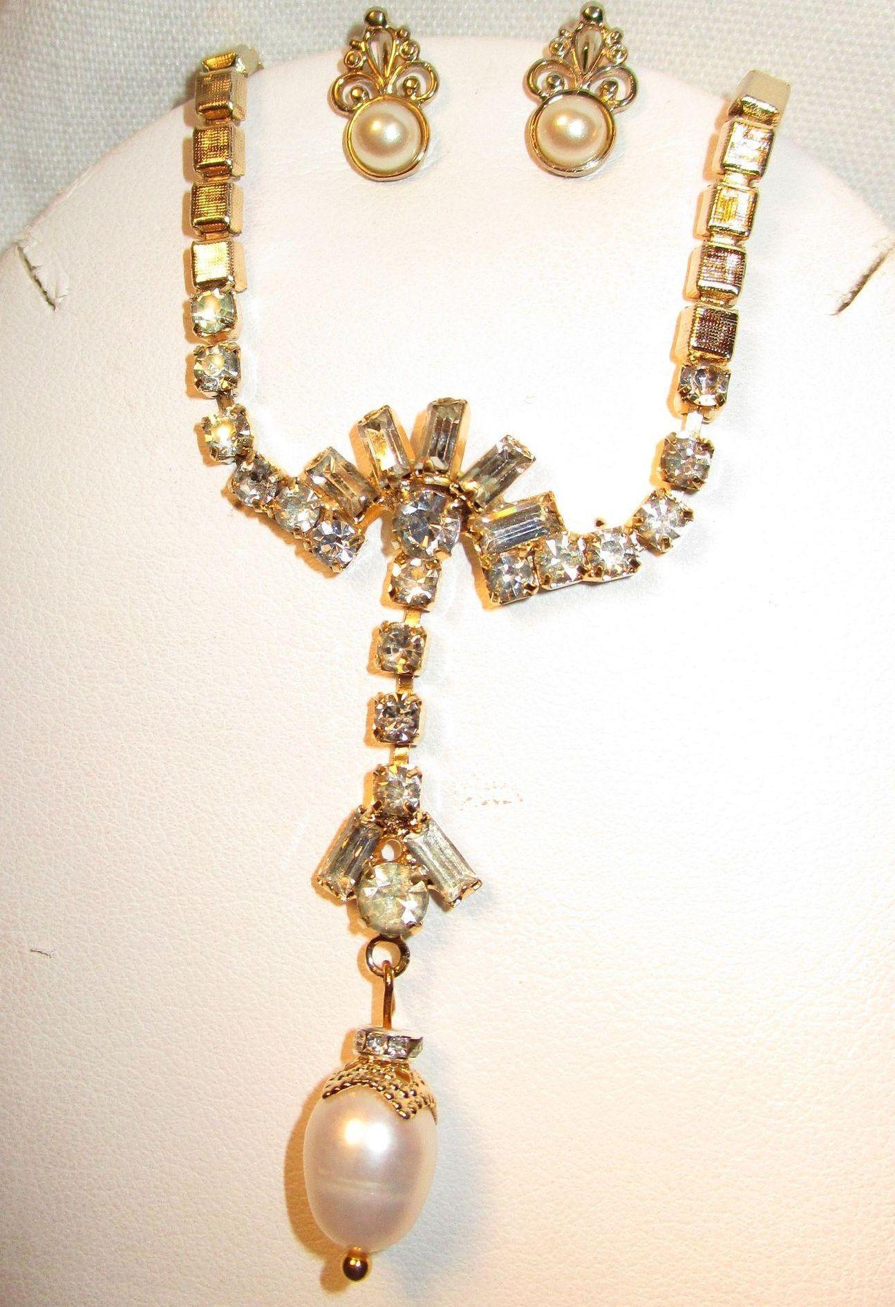 Vintage Rhinestone/Freshwater Pearl Brushed Goldtone Necklace Earring Set