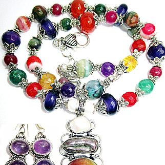 Veined Agate Pendant/Bead Necklace