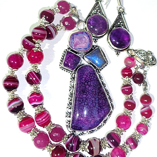 Purple Veined Agate Pendant/Striped Agate Bead Necklace/Amethyst Earrings