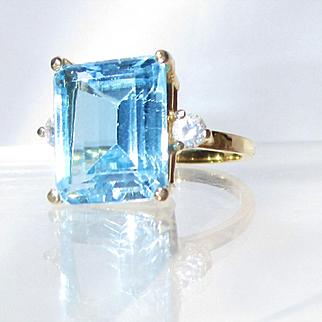 14 K Gold 10 Carat, Emerald Cut Light Blue Topaz Ring-8 1/2
