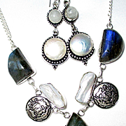 Labradorite/Biwa Pearl Necklace/Earrings
