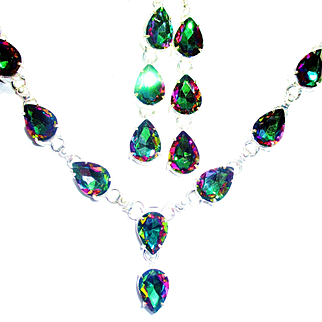 Outstanding Mystic Crystal Necklace and Earring Set
