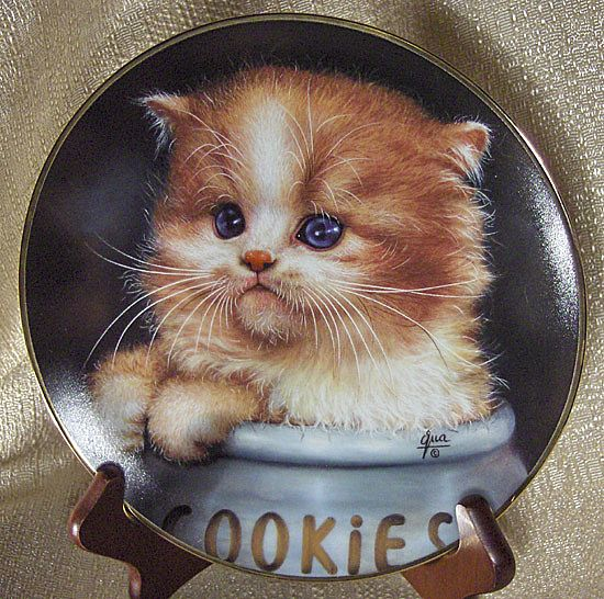 Ginger Snap Cat Collector Plate from the Cameo Kittens Collection by Qua Lemonds
