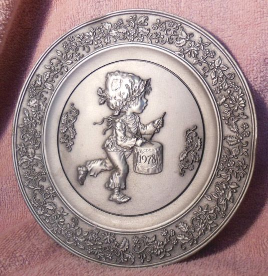 Hallmark Little Gallery 1978 Pewter Plate The Legend of The Little Drummer Boy