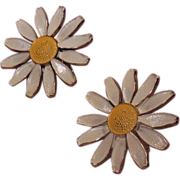 White and Yellow Daisy Screw on Earrings Gold Tone Setting