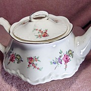 Priscilla Pattern Teapot Made By Homer Laughlin