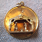 14K Gold Christmas Charm / Pendant  - Nativity Scene