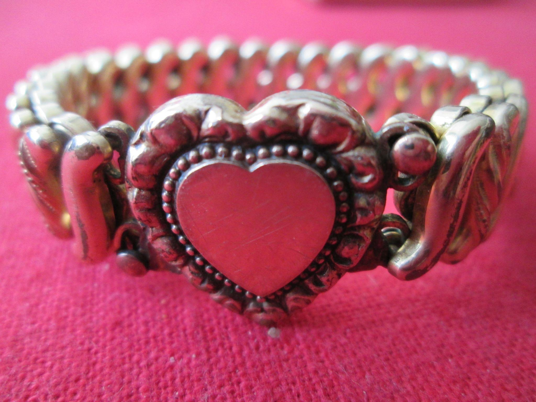 Adjustable Heart Bracelet by D.F. Briggs Co. (1901) in Original Box