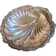 Big Beautiful Shell shaped Bowl - Silver Plate 1847 Rogers Bros.