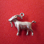 Solid 9ct Gold Goat / Ram Charm - Fully Hallmarked - Great Detail
