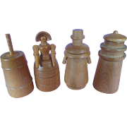 "Boxed Set of 4 Wooden Perfume Bottles - ""Bradshaw's Olde New England Flower Garden"" - 1942"