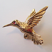 Sweet Little 14K Gold Humming Bird Pin with Ruby Eye