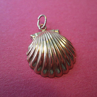 14K Gold Scallop Shell Charm or Pendant - Puffy and Pretty!
