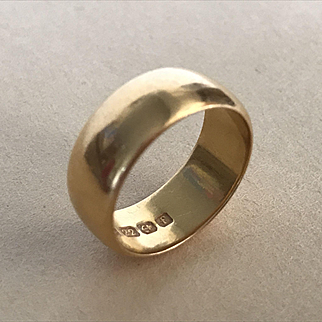 Heavy 22ct Gold Band - England 1905 - Size 6 1/2 - 9.2 Grams