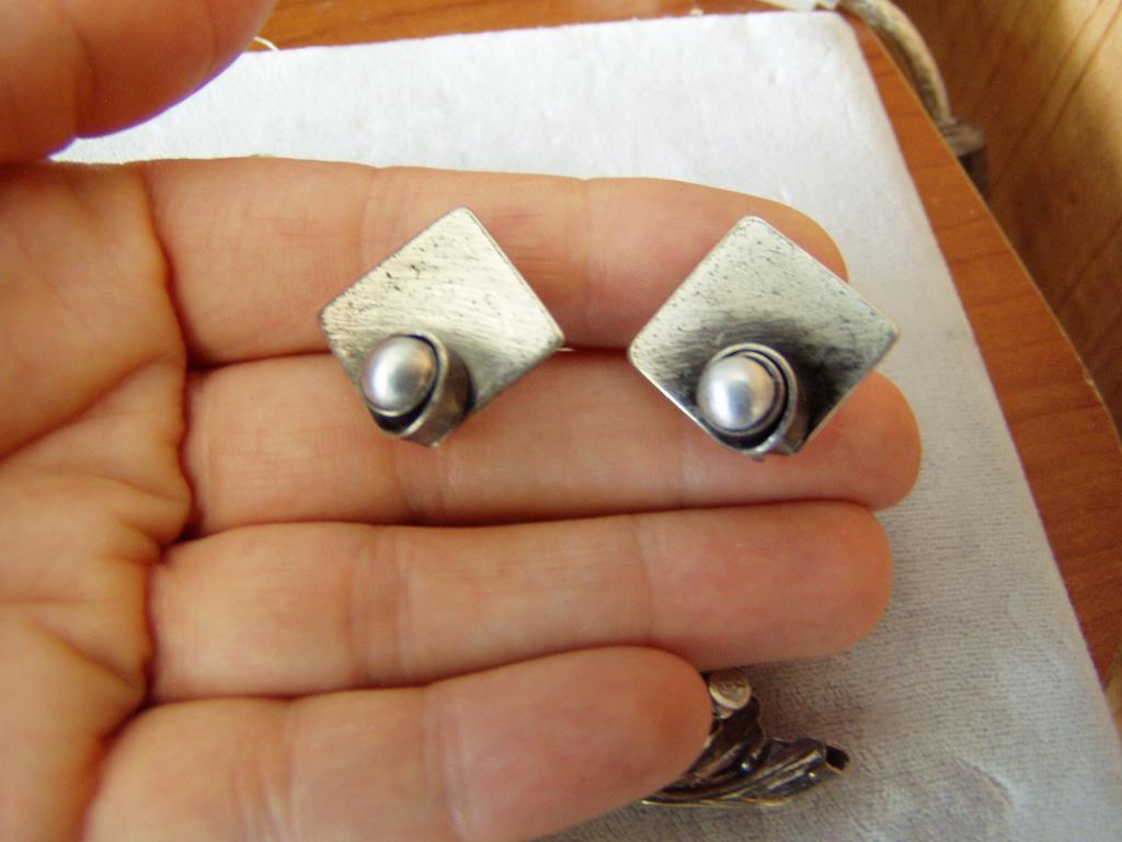 Very Nice Vintage Artist Sterling Earrings