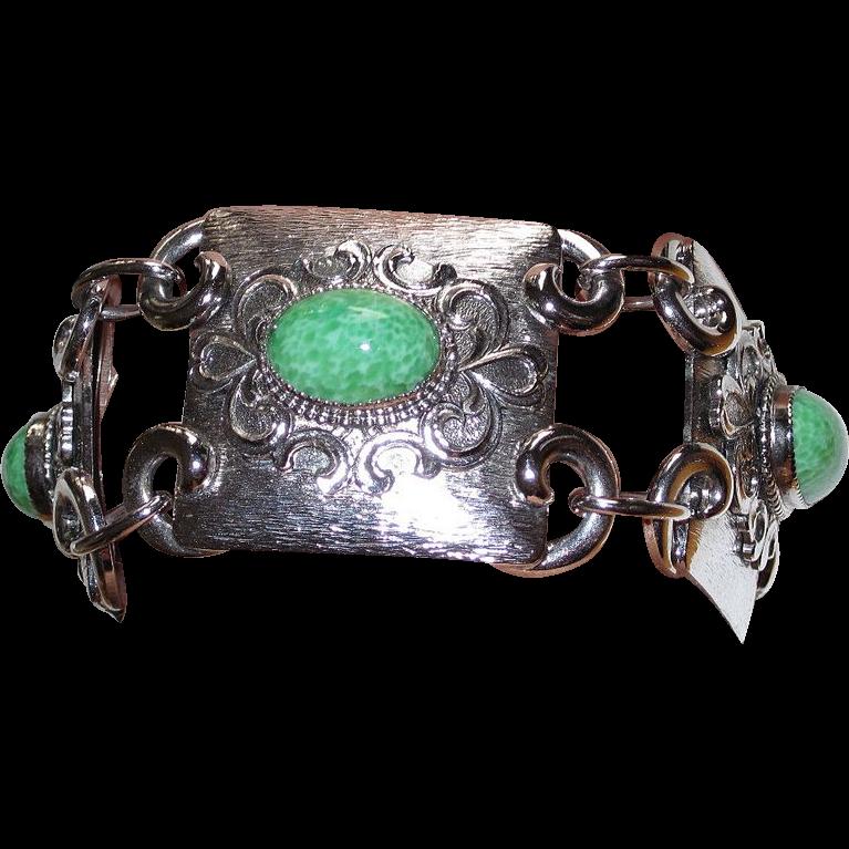 Vintage Chunky Bracelet Green Glass Stones