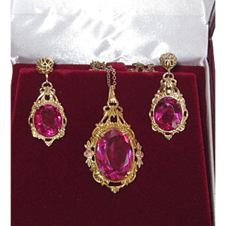 Art Deco Filigree Pink Pendant and Earrings