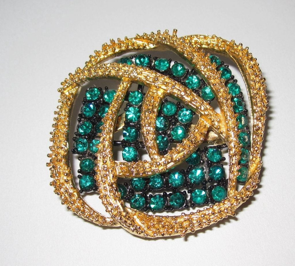 Pretty Fancy Green Goldtone Abstract Rhinestone Brooch