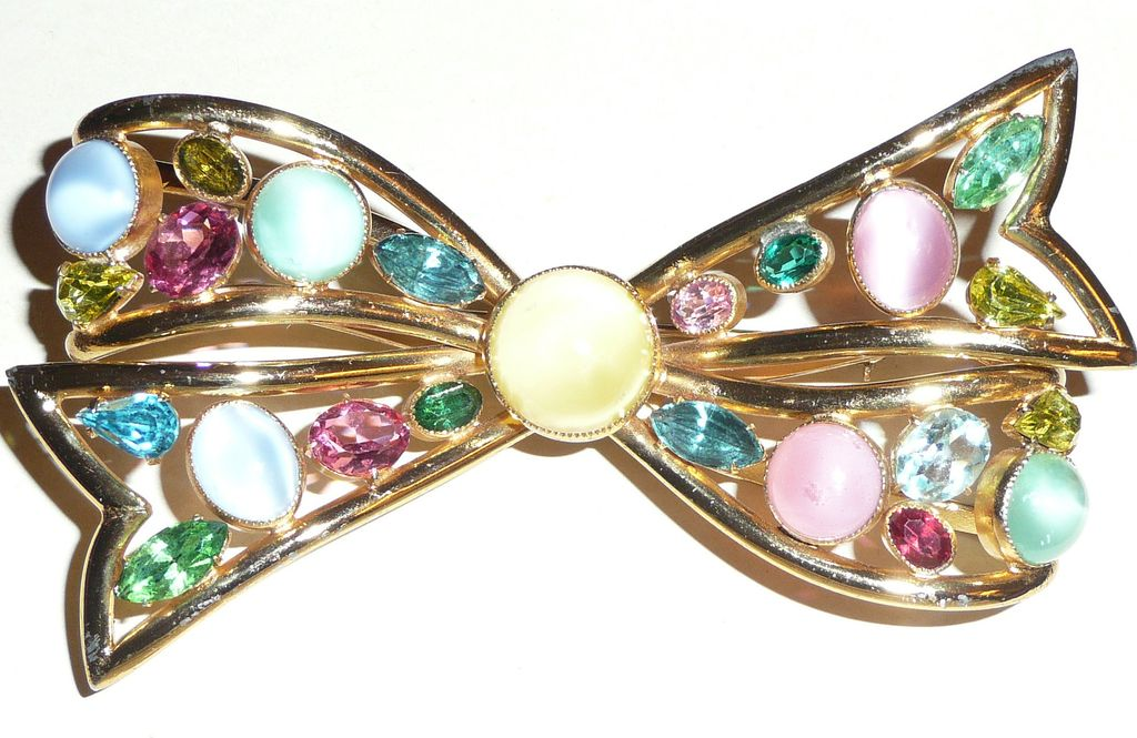 Vintage Giant Bow Brooch