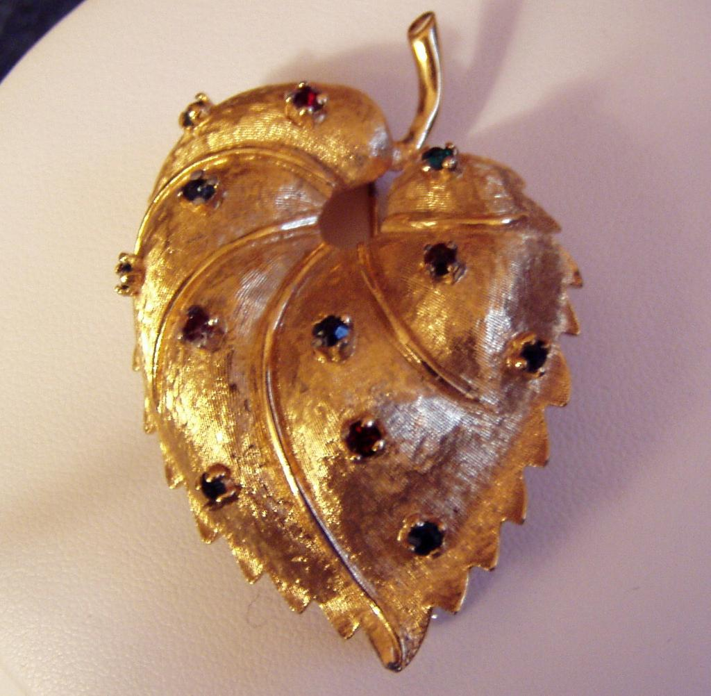 Bright Golden Jomaz Leaf Brooch