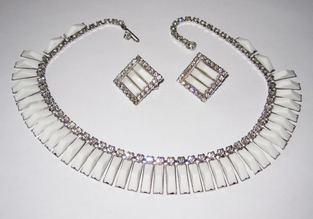 Kramer N.Y. White Glass Choker And Earrings