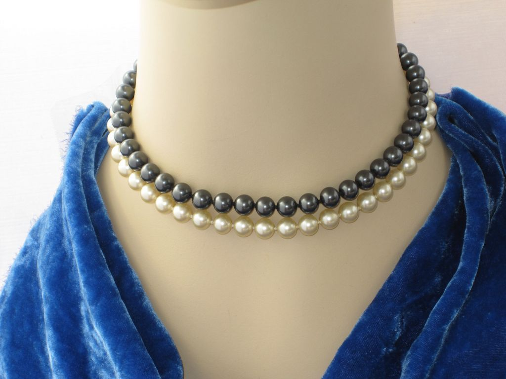 Vintage Majorica Pearls Double Strand Choker Black Cream