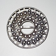 Large Scandinavian Brooch Halsring