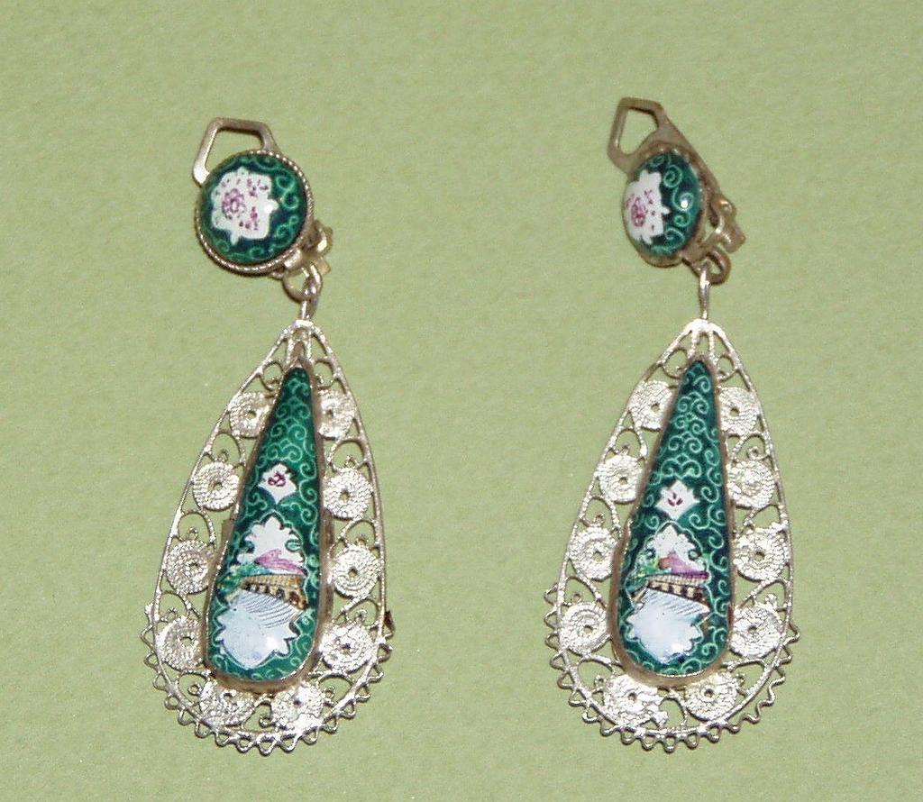 Vintage  Enamel Drop Earrings Reversible