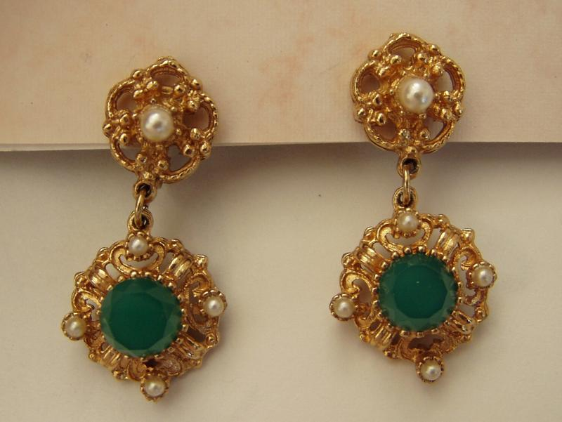 Pretty Vintage Costume Earrings Green and Gold Dangles