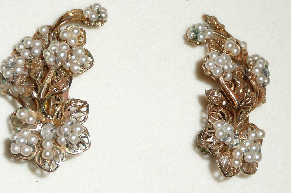 Vintage Faux Pearls Beaded Earrings Clips