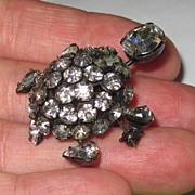 Unsigned Schreiner Turtle Brooch Trembler
