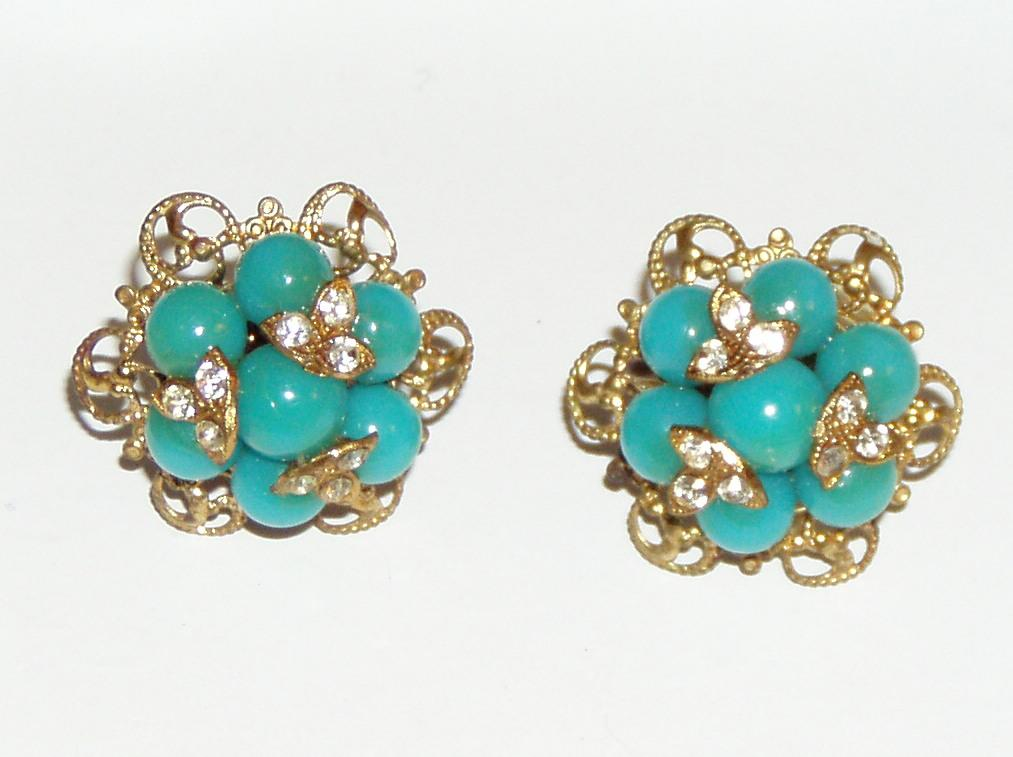 Pretty Vintage Screwback Aqua Earrings