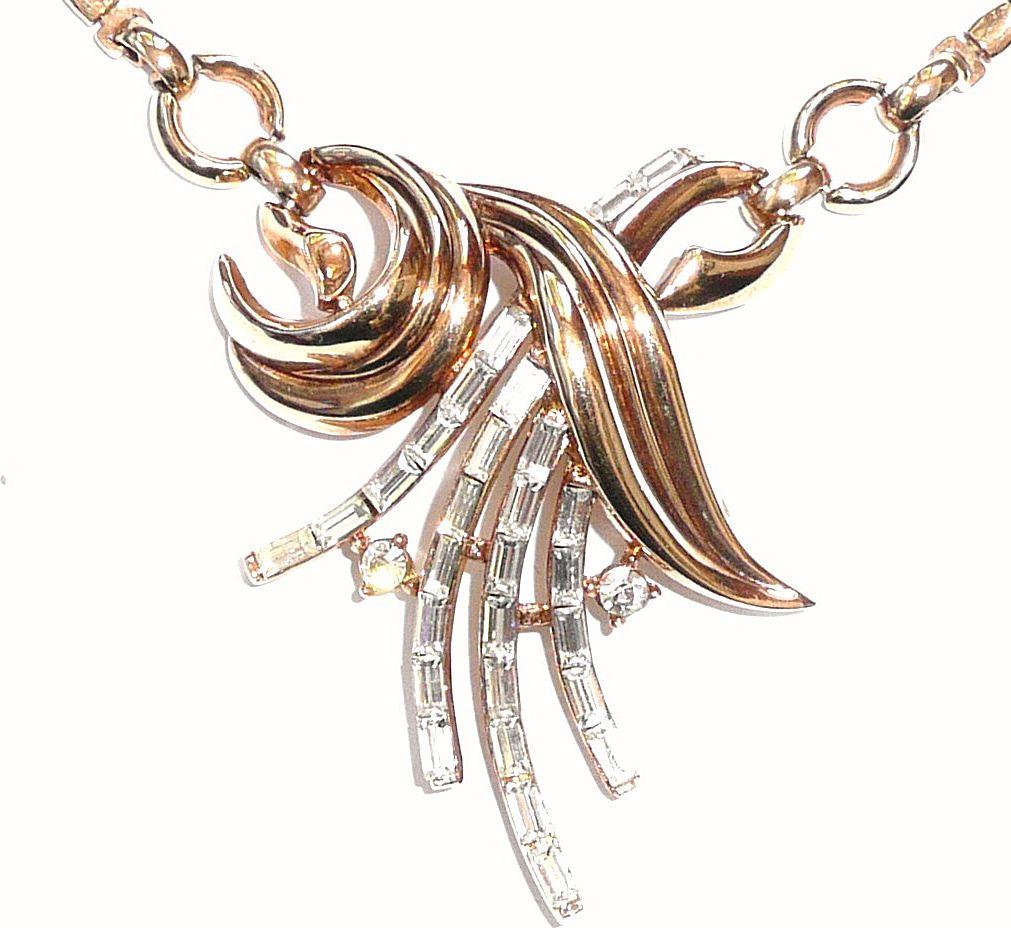 Vintage Crown Trifari Necklace Excellent
