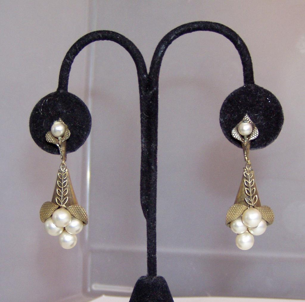 Vintage Faux Pearls Clip and Earrings